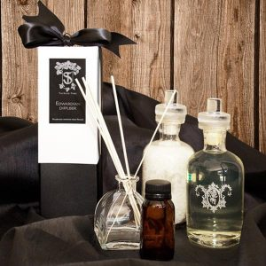 Edwardian diffuser and bath essentials