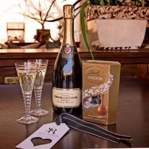 Graham Beck Brut and Chocolate Gift Hamper