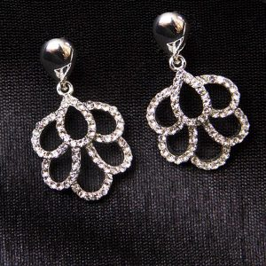 Silver plated frilly round earrings